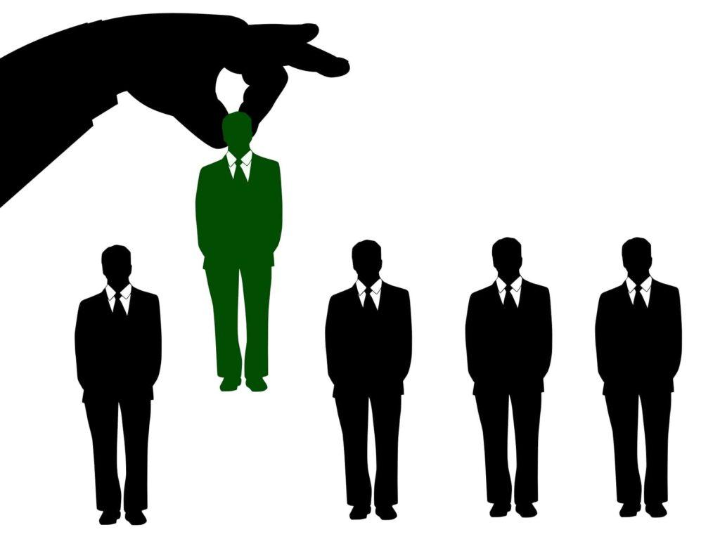 desenhista-projetista-ferramental-o-que-faz-quanto-ganha-salario-como-estudar-contratar-curriculo-vagas-recursos-humanos-destaque-FIT